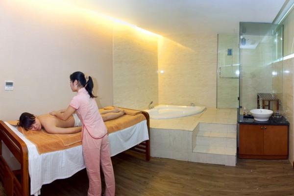 massage-10248F91F1-E286-9520-2B75-886100C95D00.jpg