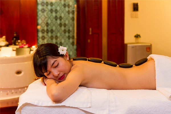 massage-4BF9AFEB9-A508-DB30-2B9E-ADF73E03E06F.jpg
